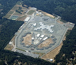 250px-Aerial_shot_of_Pelican_Bay_State_Prison,_taken_27-July-2009.jpg