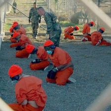 Camp_x-ray_detainees.JPG